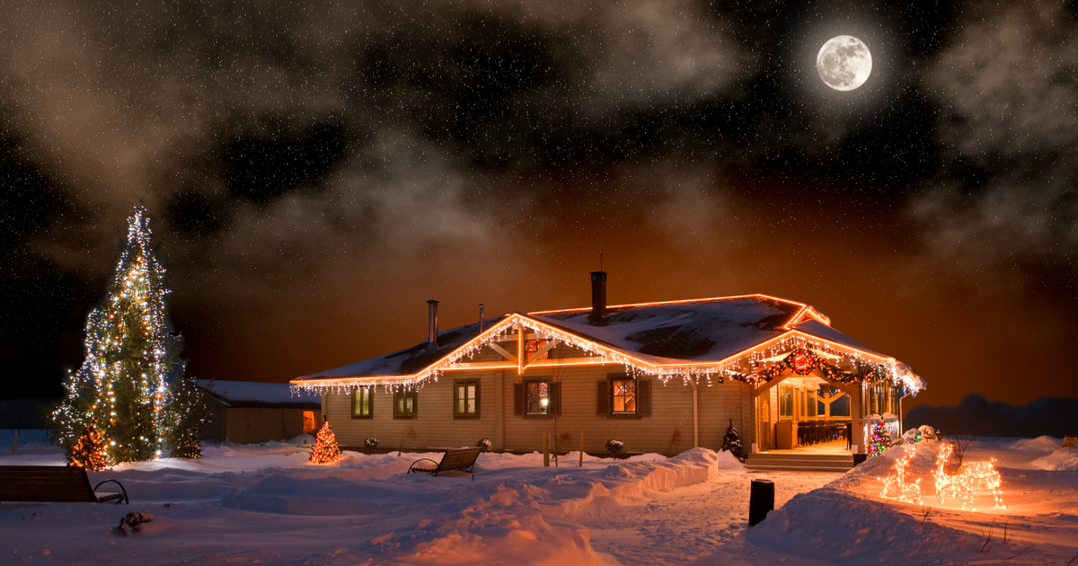 How To Hang Christmas Lights Without Damaging Your Roof